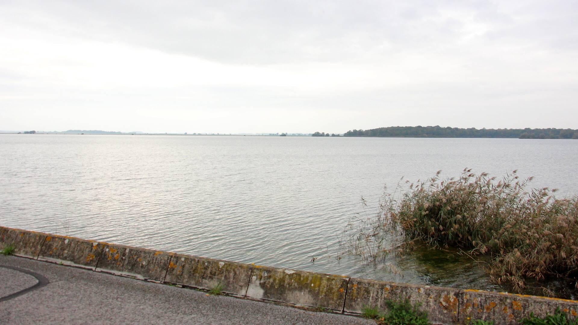 Sur la digue du Bassin Nord
