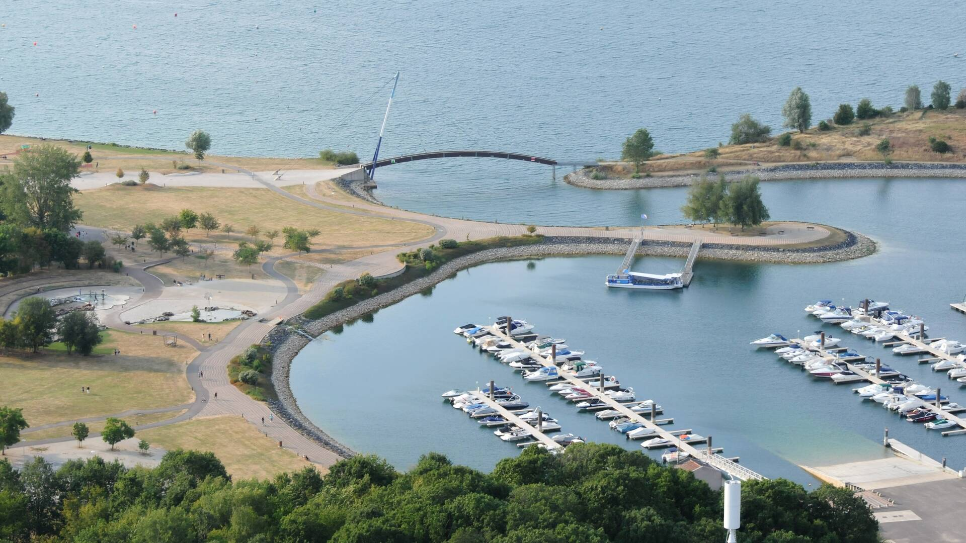 Vue aérienne du port de Giffaumont