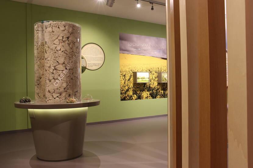 Scénographie Terre dans l'espace Vitry Champagne et Der
